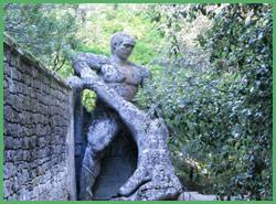 Figura mitologica a Bomarzo