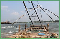 Reti da pesca cinesi a Cochin