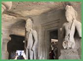 L'ingresso al Santuario Principale Linga i Dvarapalas